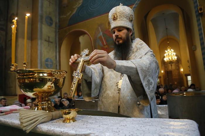 В Крещенский сочельник епископ Нестор совершил Литургию и чин великого освящения воды в Вознесенском кафедральном соборе Кузнецка