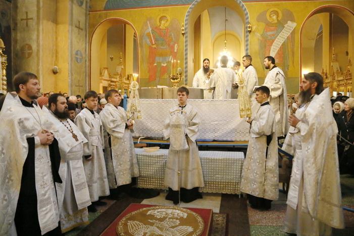 В праздник Крещения Господня епископ Нестор совершил Литургию и чин великого освящения воды в Вознесенском кафедральном соборе Кузнецка