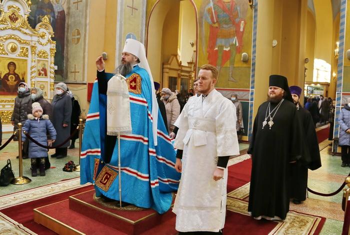 Митрополит Серафим возглавил праздничное богослужение в престольный праздник Вознесенского кафедрального собора Кузнецка